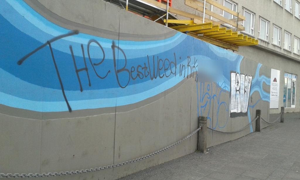 Grafitti în Portul Vechi din Reykjavik