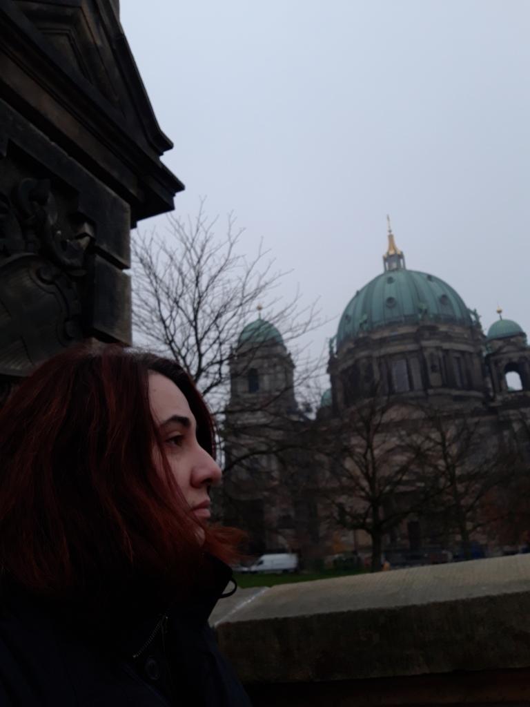 Autorul, în fața Domului din Berlin